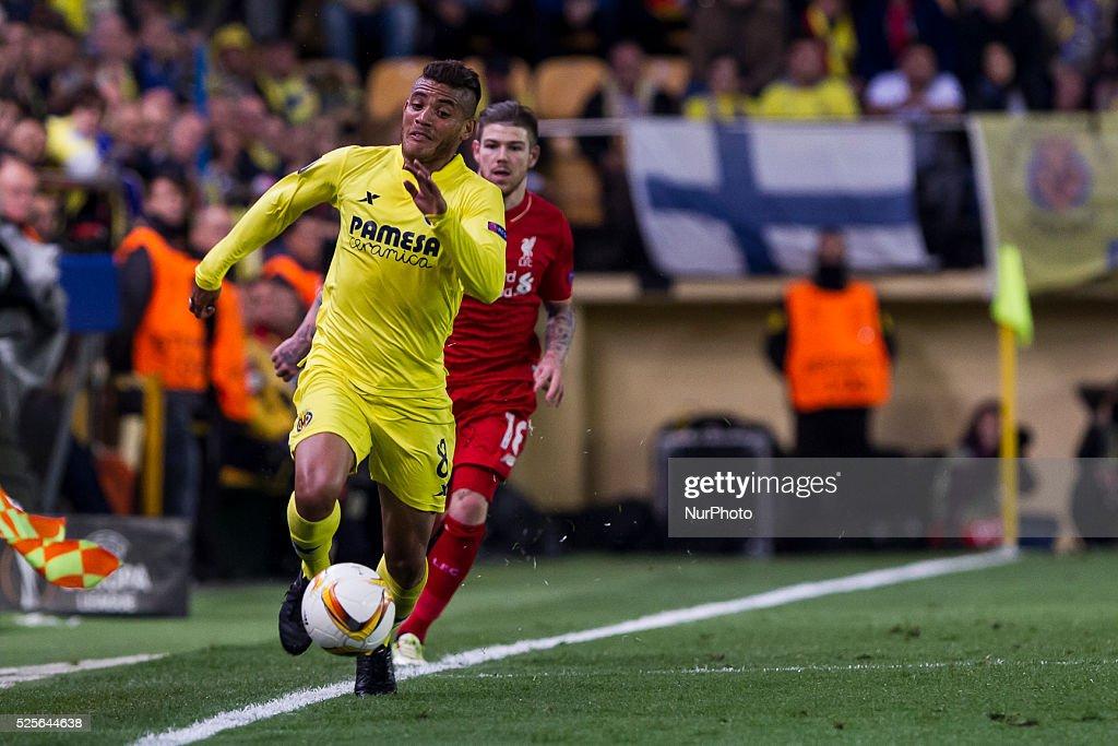 08 Jonathan dos Santos of Villarreal CF during UEFA Europa League semi-final first leg match between Villarreal CF and Liverpool FC at El Madrigal Stadium in Villarreal on April 28, 2016.