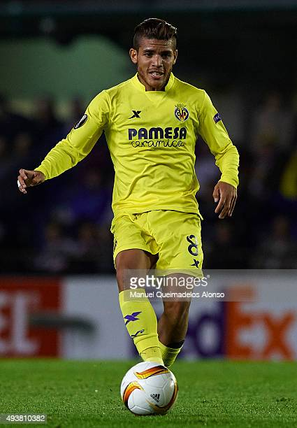 Jonathan Dos Santos of Villarreal in action during the UEFA Europa League Group K match between Villarreal CF and FC Dinamo Minks at El Madrigal...