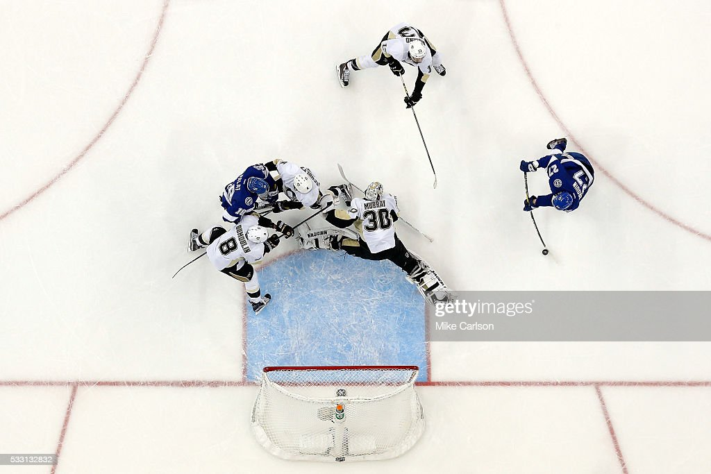 <a gi-track='captionPersonalityLinkClicked' href=/galleries/search?phrase=Jonathan+Drouin+-+Ice+Hockey+Player&family=editorial&specificpeople=10884241 ng-click='$event.stopPropagation()'>Jonathan Drouin</a> #27 of the Tampa Bay Lightning scores a goal against <a gi-track='captionPersonalityLinkClicked' href=/galleries/search?phrase=Matt+Murray+-+Ice+Hockey+Player&family=editorial&specificpeople=15609595 ng-click='$event.stopPropagation()'>Matt Murray</a> #30 of the Pittsburgh Penguins during the second period in Game Four of the Eastern Conference Final during the 2016 NHL Stanley Cup Playoffs at Amalie Arena on May 20, 2016 in Tampa, Florida.