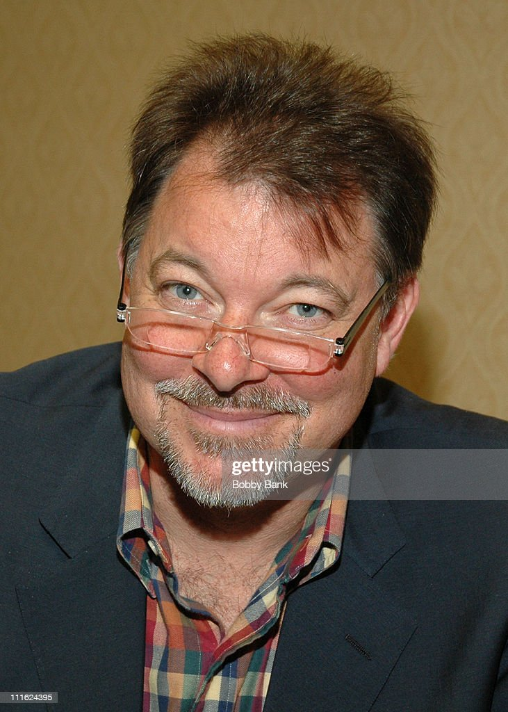 <a gi-track='captionPersonalityLinkClicked' href=/galleries/search?phrase=Jonathan+Frakes&family=editorial&specificpeople=777552 ng-click='$event.stopPropagation()'>Jonathan Frakes</a> during The 2006 Chiller Theatre's Summer Extravaganza at Crown Plaza Hotel in Secaucus, New Jersey, United States.