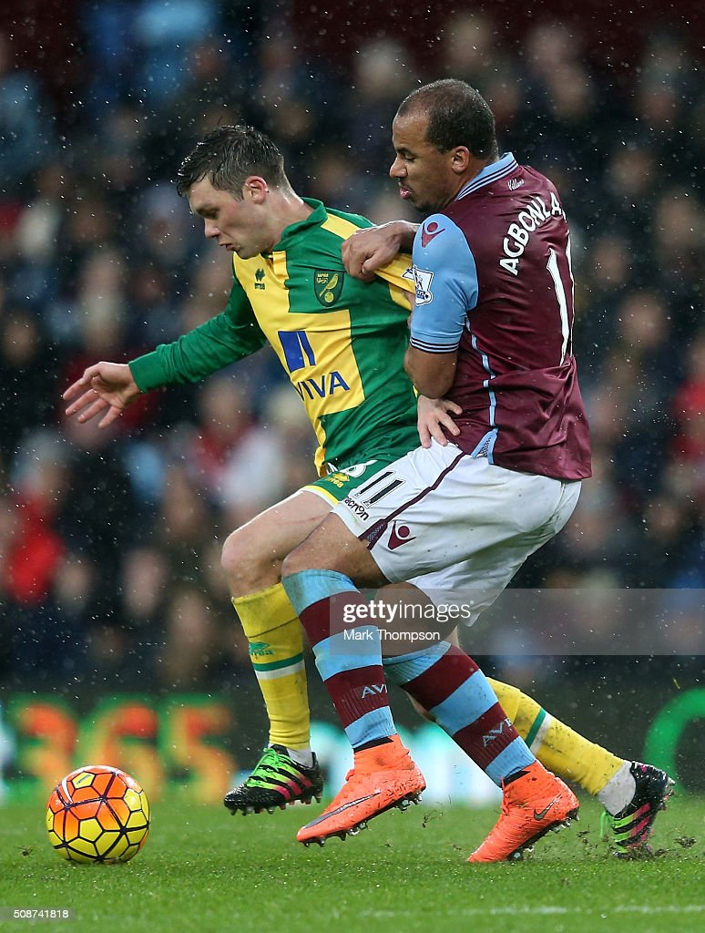 Jonathan Howson of Norwich City controls the ball under pressure of <a gi-track='captionPersonalityLinkClicked' href=/galleries/search?phrase=Gabriel+Agbonlahor&family=editorial&specificpeople=662025 ng-click='$event.stopPropagation()'>Gabriel Agbonlahor</a> of Aston Villa during the Barclays Premier League match between Aston Villa and Norwich City at Villa Park on February 6, 2016 in Birmingham, England.