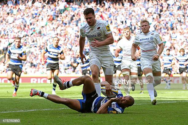 Jonathan Joseph of Bath dies over to score his team's opening try during the Aviva Premiership Final between Bath Rugby and Saracens at Twickenham...
