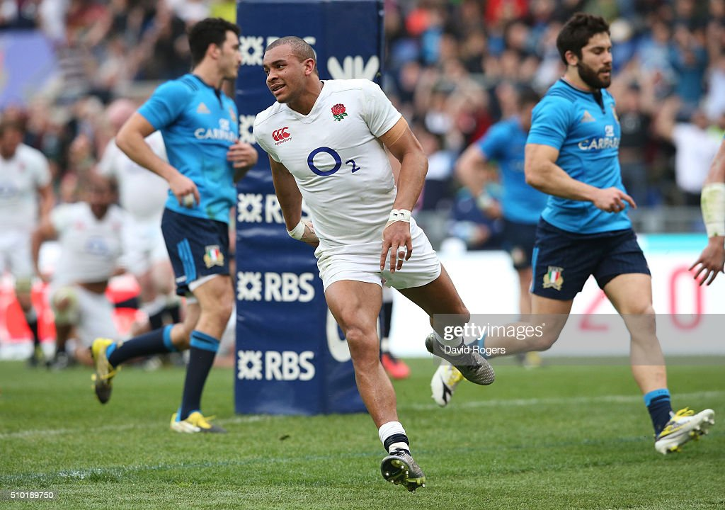 <a gi-track='captionPersonalityLinkClicked' href=/galleries/search?phrase=Jonathan+Joseph+-+Rugbyspieler&family=editorial&specificpeople=11460526 ng-click='$event.stopPropagation()'>Jonathan Joseph</a> of England scores his team's third try during the RBS Six Nations match between Italy and England at the Stadio Olimpico on February 14, 2016 in Rome, Italy.