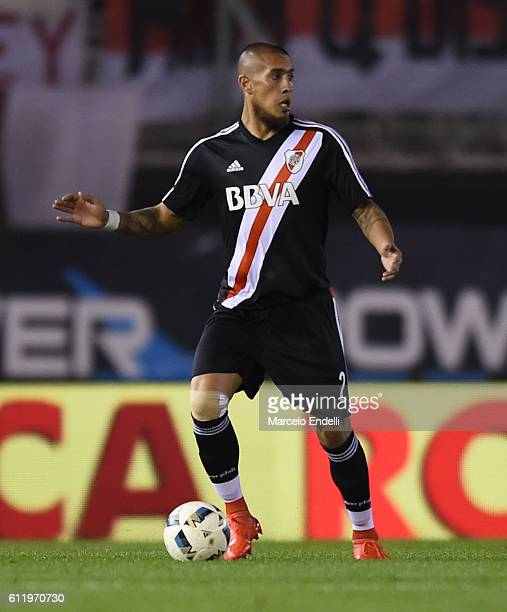 Jonathan Maidana of River Plate drives the ball during a match between River Plate and Velez Sarsfield as part of fifth round of Campeonato de...