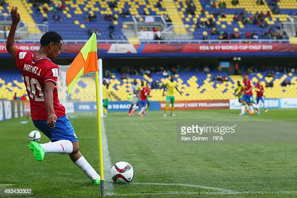 Jonathan Martinez of Costa Rica shoots a corner during the FIFA U17 World Cup Chile 2015 Group E match between South Africa and Costa Rica at Estadio...