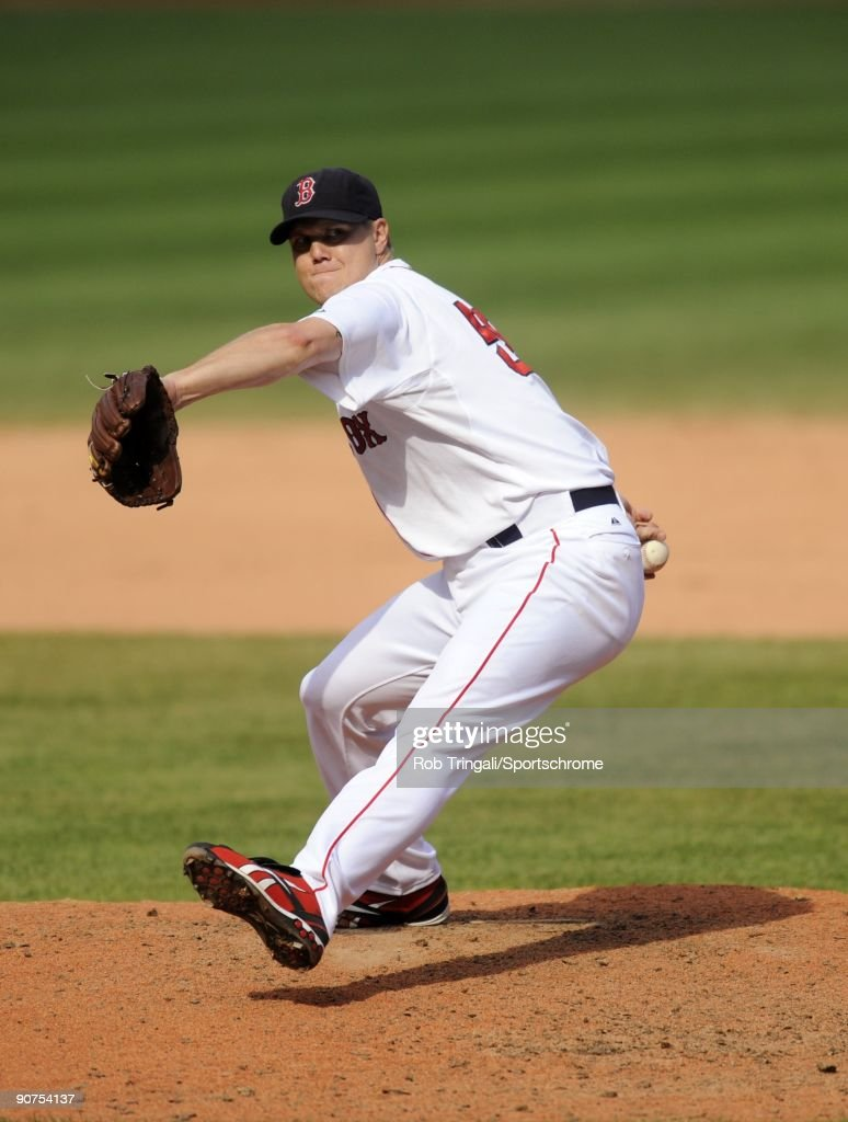 Jonathan Papelbon of the Boston Red Sox pitches against the Oakland Athletics at Fenway Park on July 30 2009 in Boston Massachusetts The Red Sox...