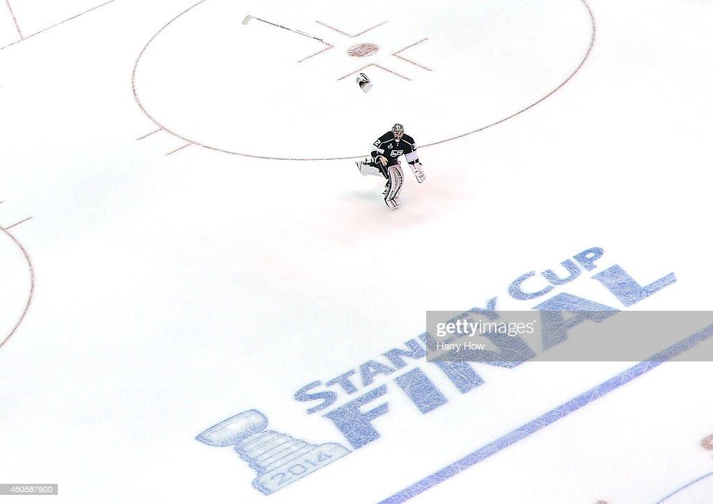 <a gi-track='captionPersonalityLinkClicked' href=/galleries/search?phrase=Jonathan+Quick&family=editorial&specificpeople=2271852 ng-click='$event.stopPropagation()'>Jonathan Quick</a> #32 of the Los Angeles Kings celebrates after the Kings win the Stanley Cup after their 3-2 victory against the New York Rangers during Game Five of the 2014 Stanley Cup Final at Staples Center on June 13, 2014 in Los Angeles, California.