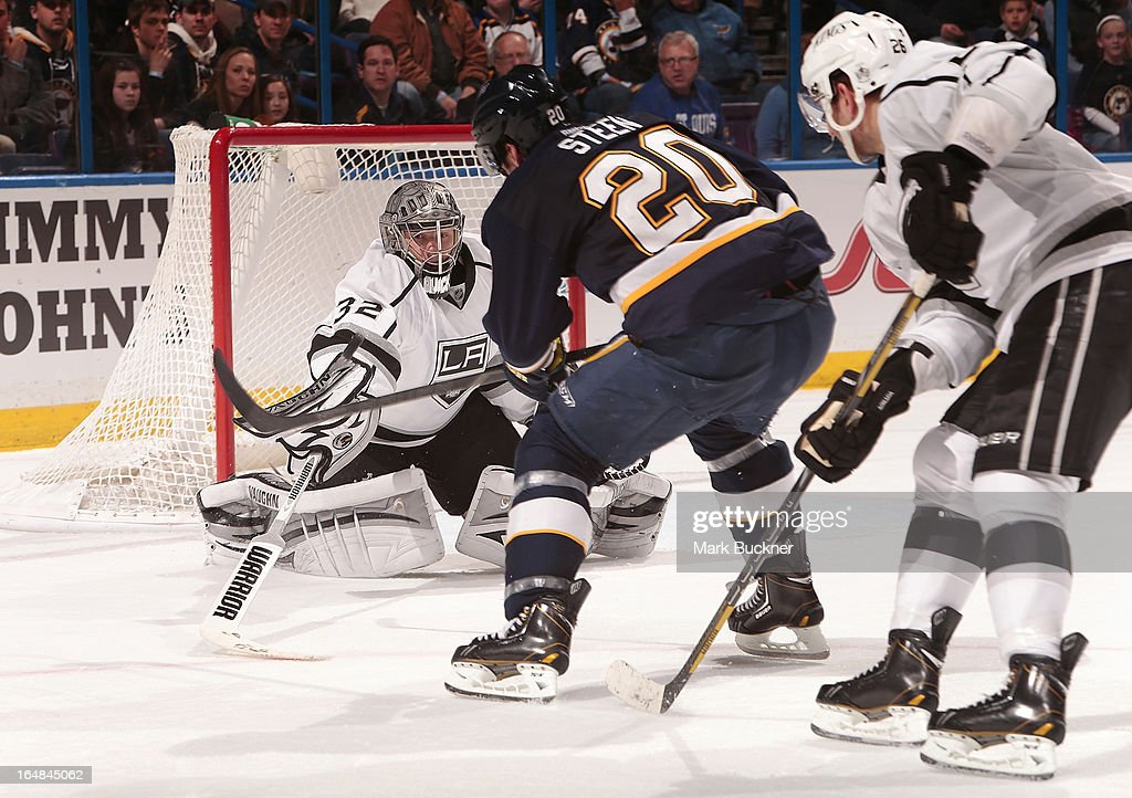 <a gi-track='captionPersonalityLinkClicked' href=/galleries/search?phrase=Jonathan+Quick&family=editorial&specificpeople=2271852 ng-click='$event.stopPropagation()'>Jonathan Quick</a> #32 of the Los Angeles Kings defends against <a gi-track='captionPersonalityLinkClicked' href=/galleries/search?phrase=Alexander+Steen&family=editorial&specificpeople=600136 ng-click='$event.stopPropagation()'>Alexander Steen</a> #20 of the St. Louis Blues in an NHL game on March 28, 2013 at Scottrade Center in St. Louis, Missouri.