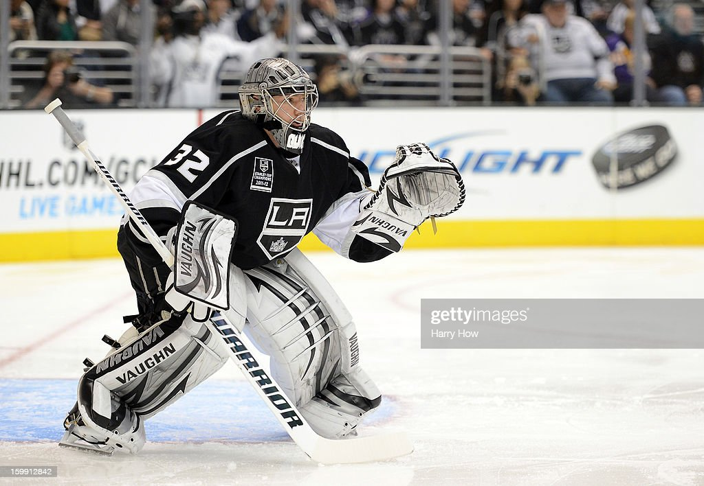 Jonathan Quick #32 of the Los Angeles Kings in goal against the Chicago Blackhawks at Staples Center on January 19, 2013 in Los Angeles, California.