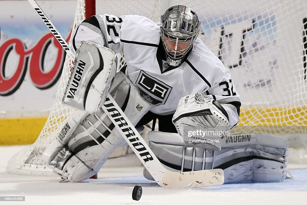 Jonathan Quick #32 of the Los Angeles Kings makes a save against the Chicago Blackhawks during Game Seven of the Western Conference Final in the 2014 Stanley Cup Playoffs at United Center on June 1, 2014 in Chicago, Illinois.