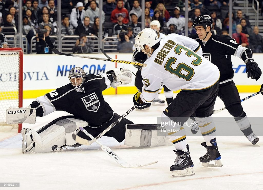 Jonathan Quick of the Los Angeles Kings makes a save on Mike Ribeiro of the Dallas Stars during the third period at the Staples Center on December 12...