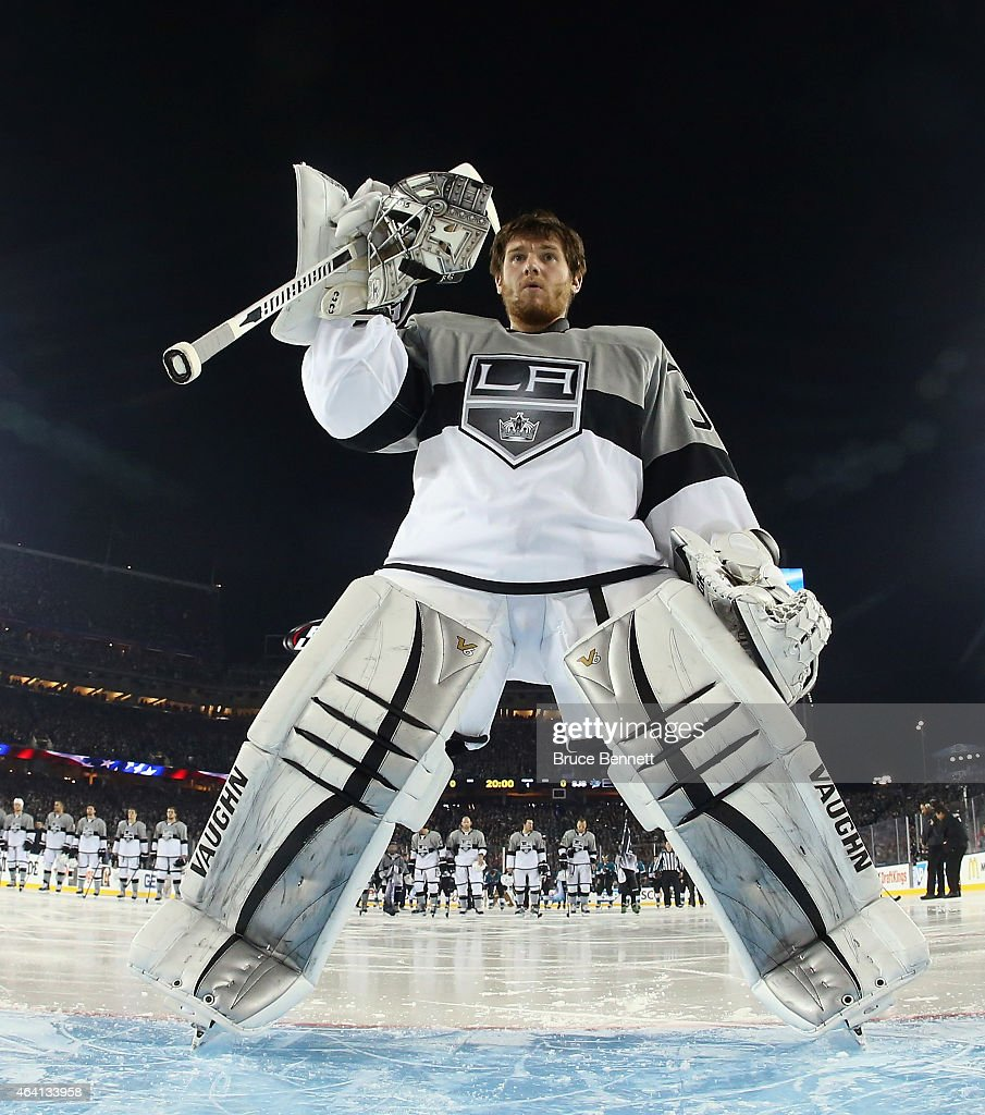 <a gi-track='captionPersonalityLinkClicked' href=/galleries/search?phrase=Jonathan+Quick&family=editorial&specificpeople=2271852 ng-click='$event.stopPropagation()'>Jonathan Quick</a> #32 of the Los Angeles Kings prepares to tends net against the San Jose Sharks during the 2015 Coors Light NHL Stadium Series game at Levi's Stadium on February 21, 2015 in Santa Clara, California. The Kings defeated the Sharks 2-1.