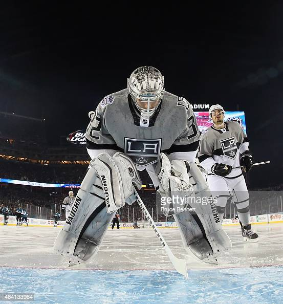 Jonathan Quick of the Los Angeles Kings prepares to tends net against the San Jose Sharks during the 2015 Coors Light NHL Stadium Series game at...