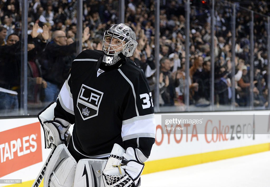 <a gi-track='captionPersonalityLinkClicked' href=/galleries/search?phrase=Jonathan+Quick&family=editorial&specificpeople=2271852 ng-click='$event.stopPropagation()'>Jonathan Quick</a> #32 of the Los Angeles Kings reacts after the goal of Jeff Carter #77 to take a 5-4 lead over the St. Louis Blues during the third period at Staples Center on March 5, 2013 in Los Angeles, California.