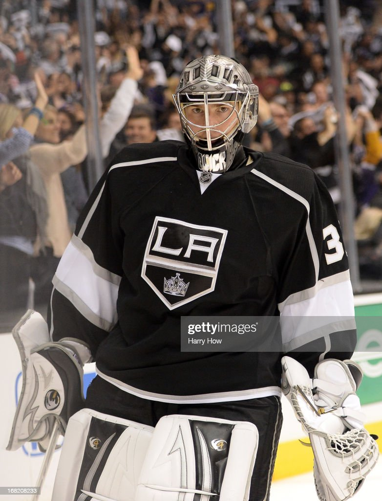 <a gi-track='captionPersonalityLinkClicked' href=/galleries/search?phrase=Jonathan+Quick&family=editorial&specificpeople=2271852 ng-click='$event.stopPropagation()'>Jonathan Quick</a> #32 of the Los Angeles Kings reacts after the goal of Justin Williams to take a 4-3 lead over St. Louis Blues during the third period in Game Four of the Western Conference Quarterfinals during the 2013 NHL Stanley Cup Playoffs at Staples Center on May 6, 2013 in Los Angeles, California.