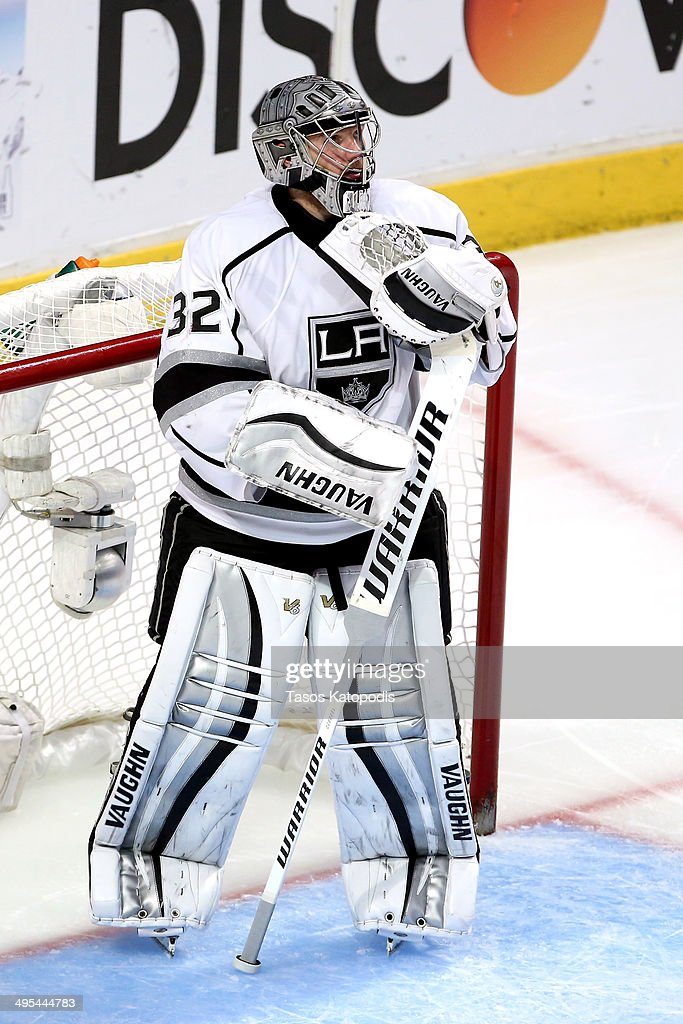 Jonathan Quick #32 of the Los Angeles Kings tends goal against the Chicago Blackhawks during Game Seven of the Western Conference Final in the 2014 Stanley Cup Playoffs at United Center on June 1, 2014 in Chicago, Illinois.