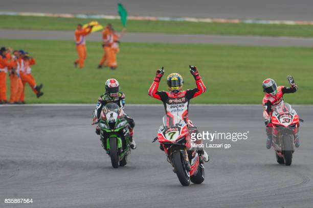 Jonathan Rea of Great Britain and KAWASAKI RACING TEAM Chaz Davies of Great Britain and ARUBAIT RACINGDUCATI and Marco Melandri of Italy and ARUBAIT...