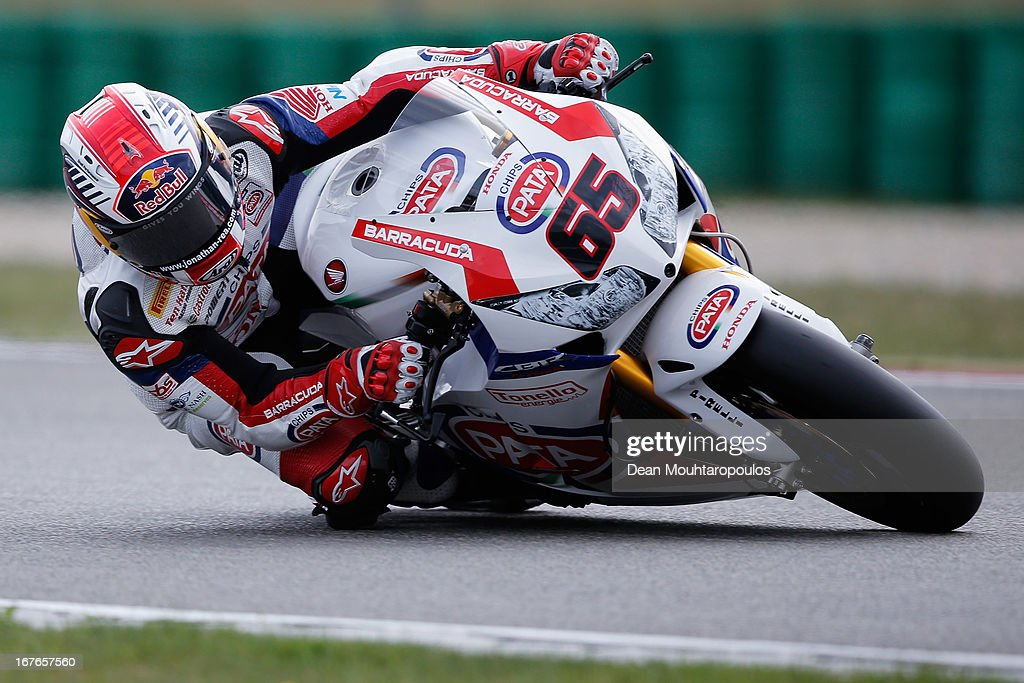 <a gi-track='captionPersonalityLinkClicked' href=/galleries/search?phrase=Jonathan+Rea&family=editorial&specificpeople=2643129 ng-click='$event.stopPropagation()'>Jonathan Rea</a> (#65) of Great Britain on the Honda CBR1000RR for Pata Honda World Superbike competes during the World Superbikes Qualifying Session at TT Circuit Assen on April 27, 2013 in Assen, Netherlands.