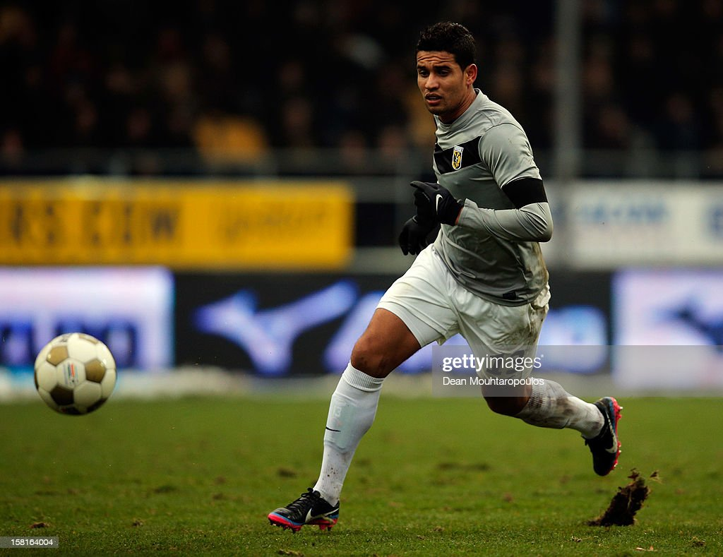 Jonathan Reis of Vitesse in action during the Eredivisie match between VVV Venlo and Vitesse Arnhem at the Seacon Stadion De Koel on December 9, 2012 in Venlo, Netherlands.