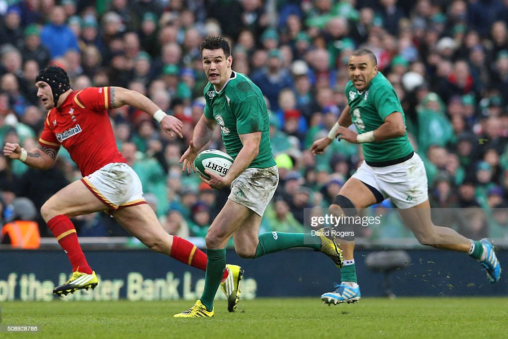 Jonathan Sexton of Ireland makes a break during the RBS Six Nations match between Ireland and Wales at the Aviva Stadium on February 7, 2016 in Dublin, Ireland.