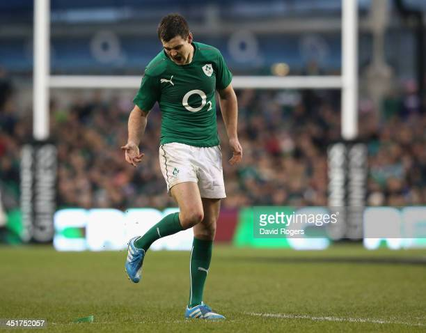 Jonathan Sexton of Ireland misses with a crucial penalty kick during the International match between Ireland and New Zealand All Blacks at the Aviva...