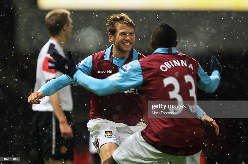 West Ham United v Manchester United - Carling Cup Quarter Final