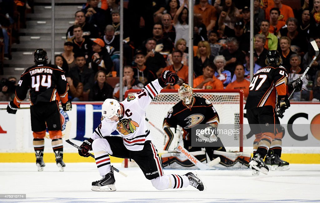 <a gi-track='captionPersonalityLinkClicked' href=/galleries/search?phrase=Jonathan+Toews&family=editorial&specificpeople=537799 ng-click='$event.stopPropagation()'>Jonathan Toews</a> #19 of the Chicago Blackhawks celebrates his second goal in the first period against the Anaheim Ducks in Game Seven of the Western Conference Finals during the 2015 NHL Stanley Cup Playoffs at the Honda Center on May 30, 2015 in Anaheim, California.