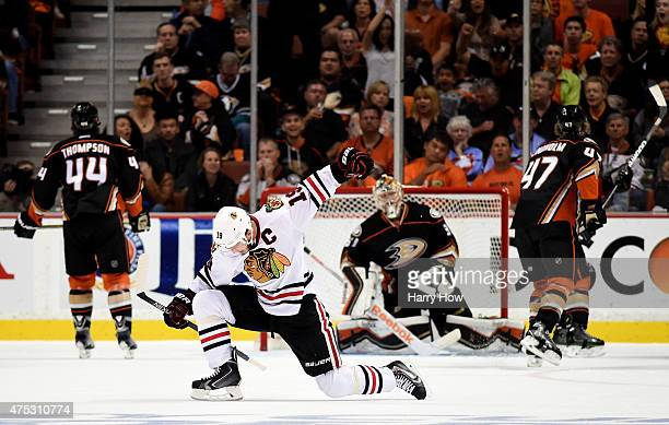 Jonathan Toews of the Chicago Blackhawks celebrates his second goal in the first period against the Anaheim Ducks in Game Seven of the Western...