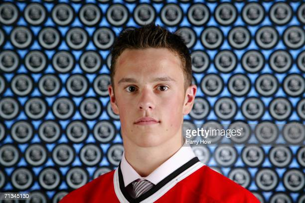 Jonathan Toews of the Chicago Blackhawks poses for a portrait backstage at the 2006 NHL Draft held at General Motors Place on June 24 2006 in...
