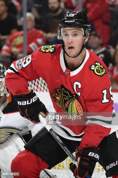 Jonathan Toews of the Chicago Blackhawks watches for the puck in the first period against the Anaheim Ducks at the United Center on November 27 2017...