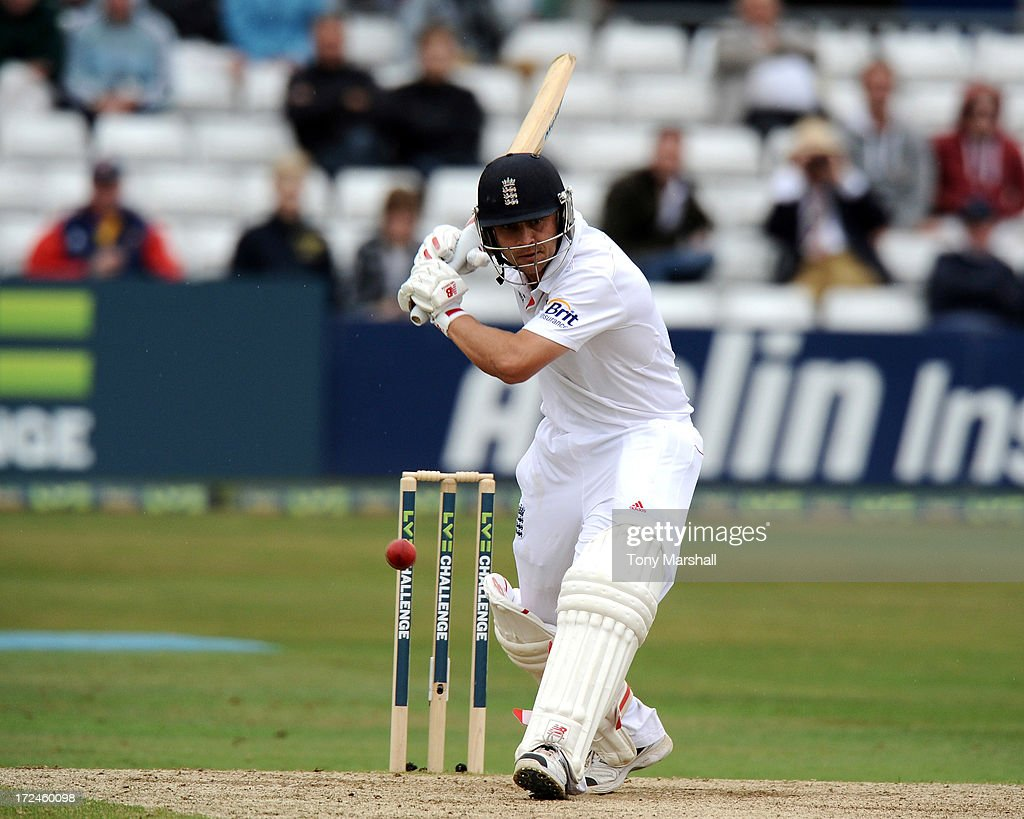 <a gi-track='captionPersonalityLinkClicked' href=/galleries/search?phrase=Jonathan+Trott&family=editorial&specificpeople=654505 ng-click='$event.stopPropagation()'>Jonathan Trott</a> of England batting during the LV= Challenge match between Essex and England at The Ford County Ground on July 2, 2013 in Chelmsford, England.