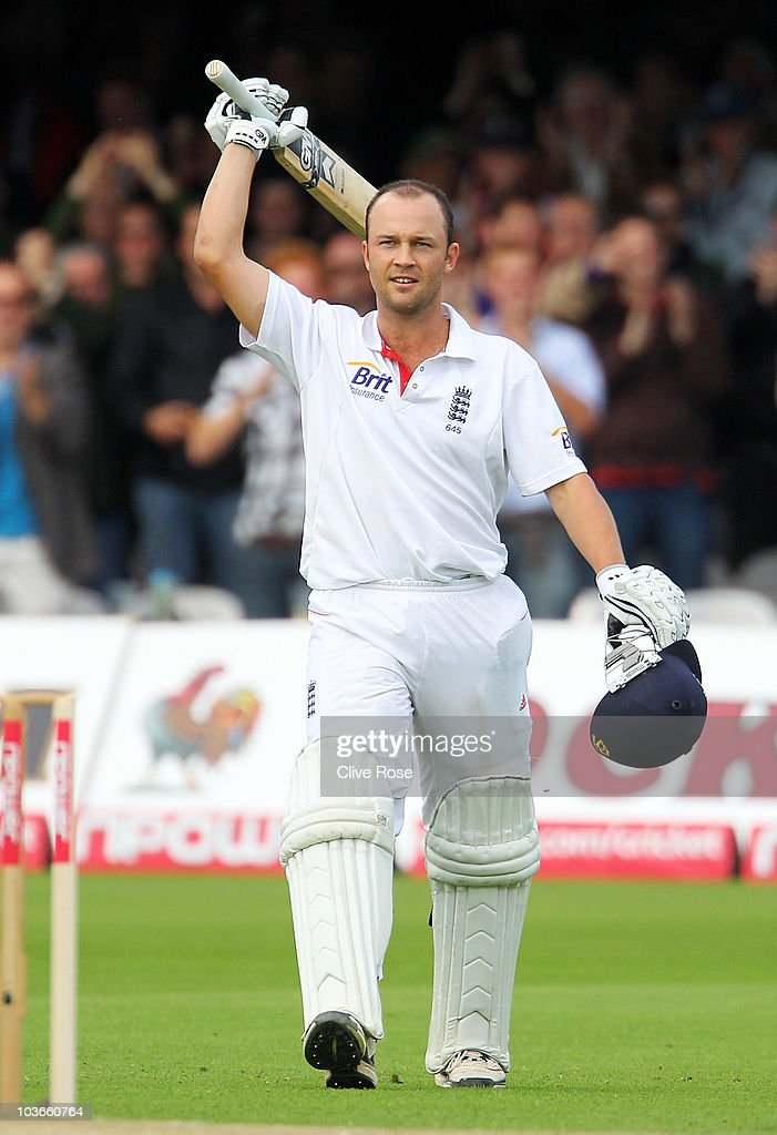 Jonathan Trott of England celebrates his century during day two of the 4th npower Test Match between England and Pakistan at Lord's on August 27, 2010 in London, England.