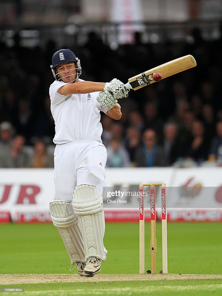 Jonathan Trott of England hits out during day two of the 4th npower Test Match between England and Pakistan at Lord's on August 27, 2010 in London, England.
