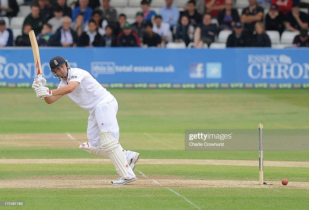 <a gi-track='captionPersonalityLinkClicked' href=/galleries/search?phrase=Jonathan+Trott&family=editorial&specificpeople=654505 ng-click='$event.stopPropagation()'>Jonathan Trott</a> of England keeps an eye on his shot during the LV=Challenge Day 3 match between Essex and England at Ford County Ground on July 02, 2013 in Chelmsford, England.
