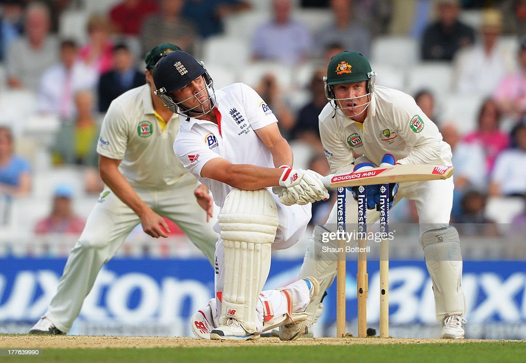 Jonathan Trott of England sweeps watched by wicketkeeper Brad Haddin of Australia during day five of the 5th Investec Ashes Test match between England and Australia at the Kia Oval on August 25, 2013 in London, England.