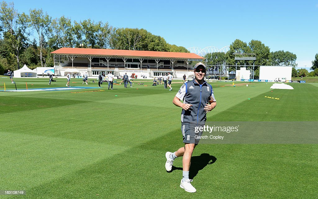 <a gi-track='captionPersonalityLinkClicked' href=/galleries/search?phrase=Jonathan+Trott&family=editorial&specificpeople=654505 ng-click='$event.stopPropagation()'>Jonathan Trott</a> of England warms up during an nets session at the University Oval on March 5, 2013 in Dunedin, New Zealand.