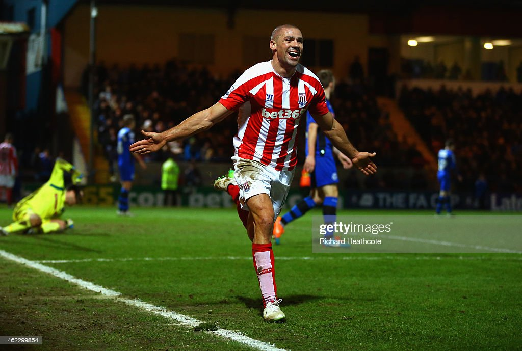 <a gi-track='captionPersonalityLinkClicked' href=/galleries/search?phrase=Jonathan+Walters&family=editorial&specificpeople=3389578 ng-click='$event.stopPropagation()'>Jonathan Walters</a> of Stoke City celebrates after scoring their fourth goal during the FA Cup fourth round match between Rochdale and Stoke City at Spotland Stadium on January 26, 2015 in Rochdale, England.