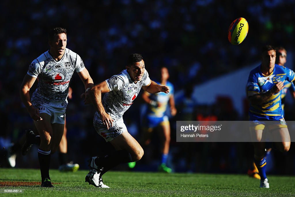 Jonathan Wright of the Warriors loses the ball backwards during the 2016 Auckland Nines grand final match between the Parramatta Eels and the New Zealand Warriors at Eden Park on February 7, 2016 in Auckland, New Zealand.