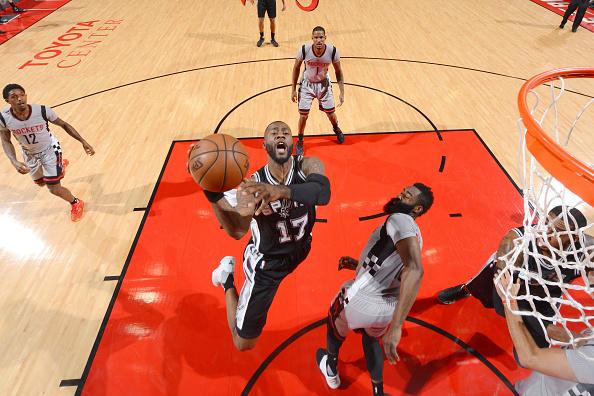 San Antonio Spurs v Houston Rockets - Game Four : News Photo