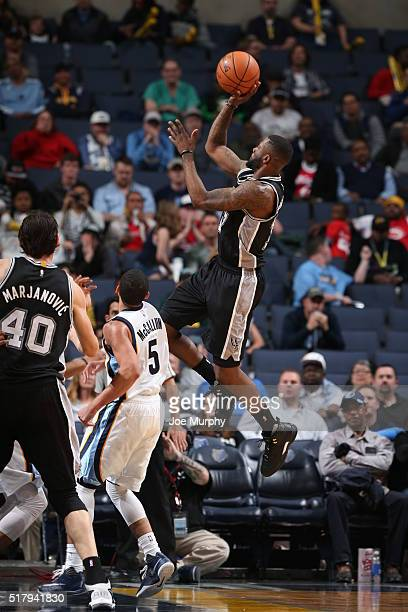 Jonathon Simmons of the San Antonio Spurs shoots the ball against the Memphis Grizzlies on March 28 2016 at FedExForum in Memphis Tennessee NOTE TO...