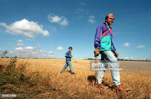 Jonathon Thompson and his sevenyearold son Matthew begin their search of fields around the Oxfordshire village of AscottunderWychwood near the spot...