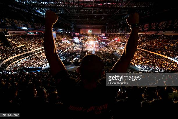 Jonh Lineker of Brazil competes Rob Font of the United States in their bantamweight bout during the UFC 198 at Arena da Baixada stadium on May 14...