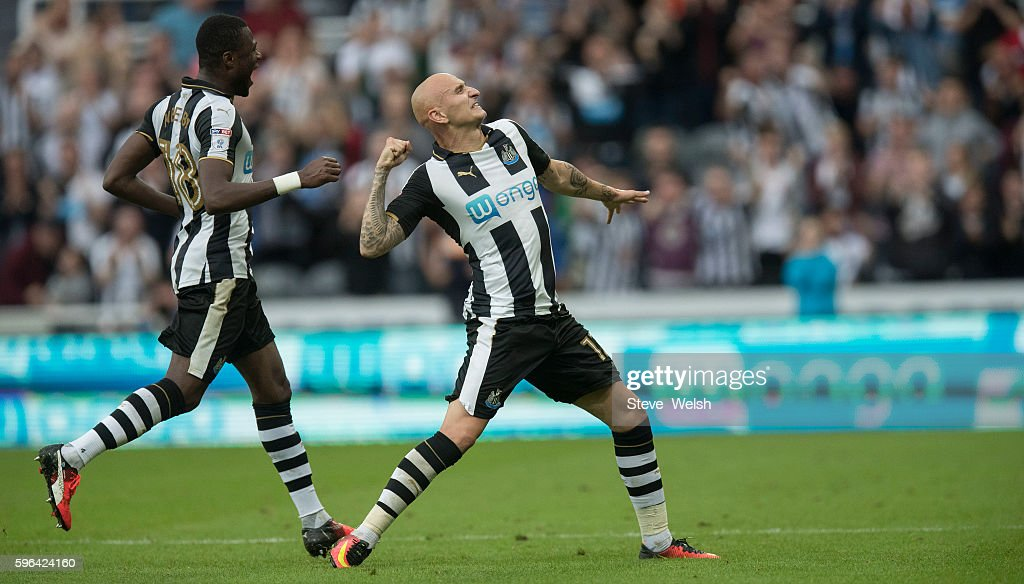 Jonjo Shelvey of Newcastle celebrates his goal during the Premier League match between Newcastle United and Brighton & Hove Albion on August 27, 2016 in Newcastle.