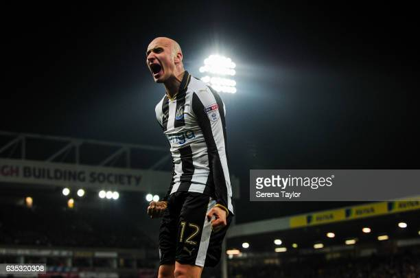 Jonjo Shelvey of Newcastle United celebrates after the equalising goal during the Sky Bet Championship match between Norwich City and Newcastle...