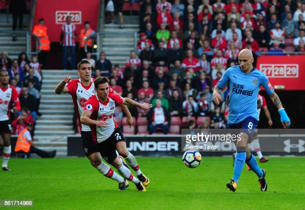 Jonjo Shelvey of Newcastle United controls the ball during the Premier League match between Southampton and Newcastle United at StMary's Stadium on...