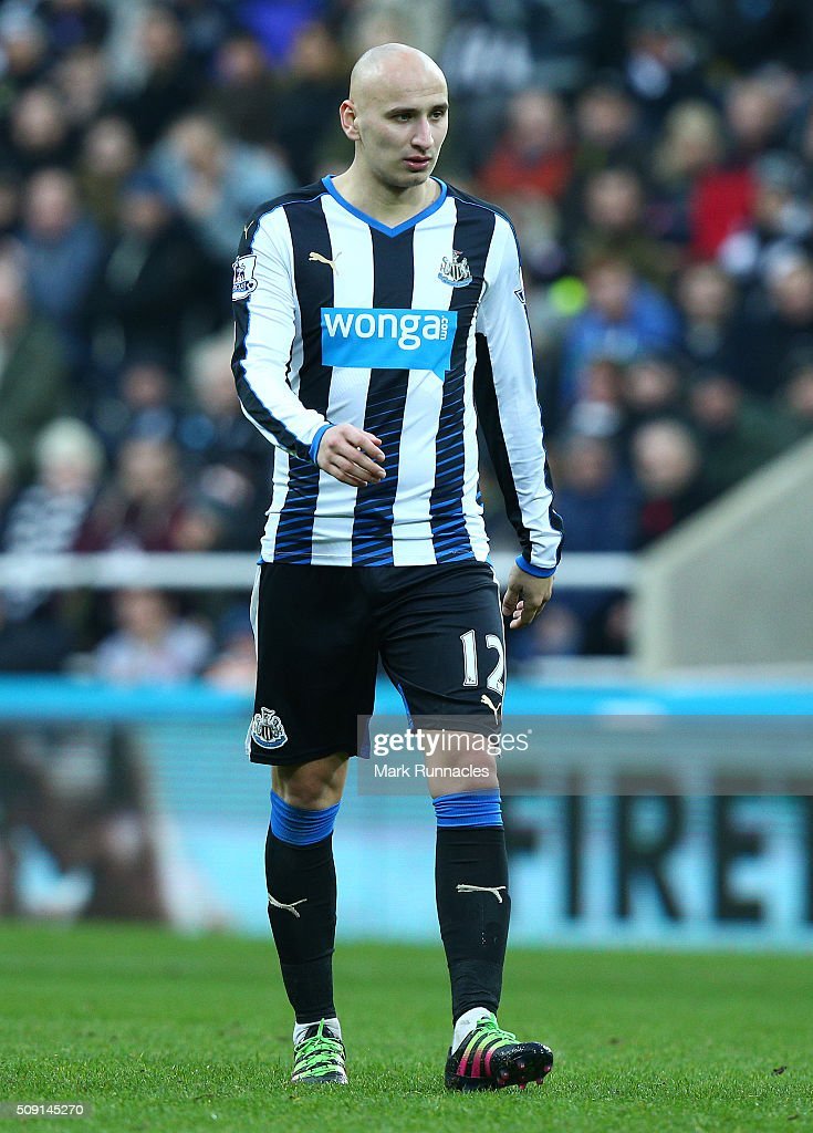 <a gi-track='captionPersonalityLinkClicked' href=/galleries/search?phrase=Jonjo+Shelvey&family=editorial&specificpeople=4940315 ng-click='$event.stopPropagation()'>Jonjo Shelvey</a> of Newcastle United in action during the Barclays Premier League match between Newcastle United FC and West Bromwich Albion FC at St James' Park on February 6, 2016 in Newcastle Upon Tyne, England.