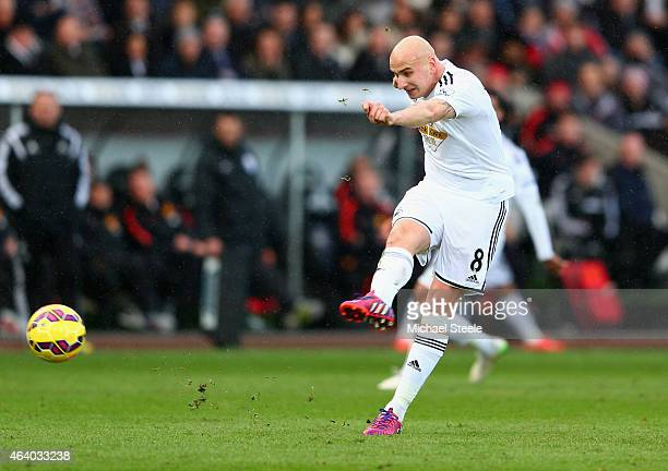 Jonjo Shelvey of Swansea City scores their second goal during the Barclays Premier League match between Swansea City and Manchester United at Liberty...