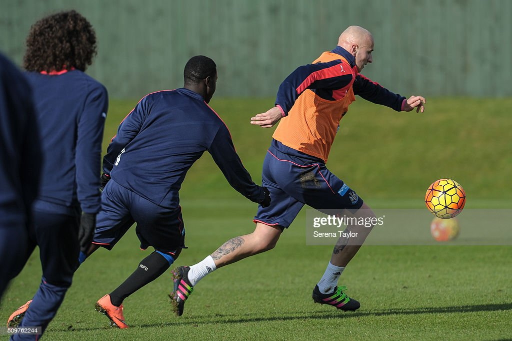 <a gi-track='captionPersonalityLinkClicked' href=/galleries/search?phrase=Jonjo+Shelvey&family=editorial&specificpeople=4940315 ng-click='$event.stopPropagation()'>Jonjo Shelvey</a> (R) runs with the ball during the Newcastle United Training session at The Newcastle United Training Centre on February 12, 2016, in Newcastle upon Tyne, England.
