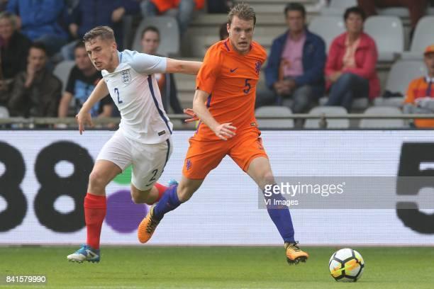 Jonjoe Kenny of England U21 Thomas Ouwejan of Holland U21 during the EURO U21 2017 qualifying match between Netherlands U21 and England U21 at the...