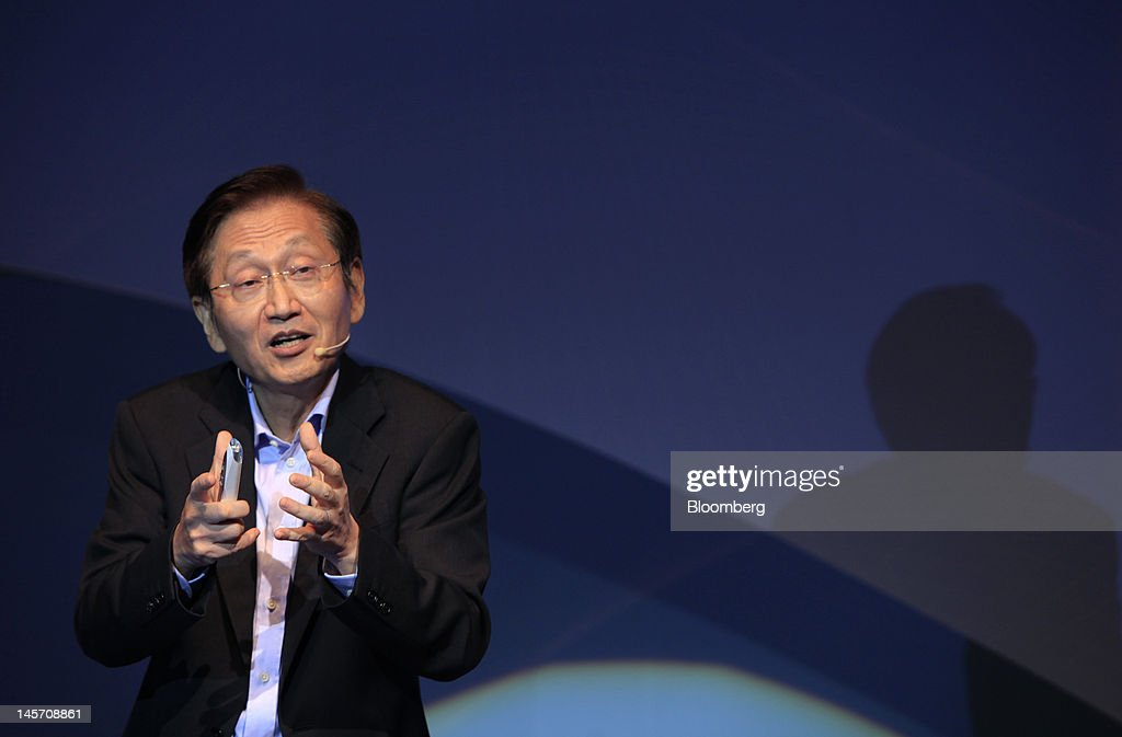 Jonney Shih, chairman of Asustek Computer Inc., speaks during a news conference in Taipei, Taiwan, on Monday, June 4, 2012. Asustek today previewed a tablet using ARM Holdings Plc technology and running Microsoft Corp.'s Windows 8 operating system. Photographer: Ashley Pon/Bloomberg via Getty Images